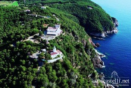 El Far Hotel