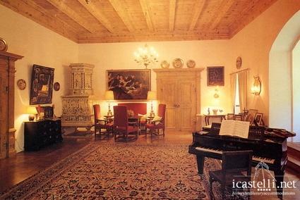 Castello rubein a merano trentino alto adige for Palazzo in stile messicano