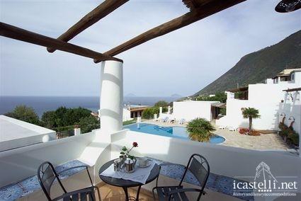 Habitación Superior con terraza vista al mar