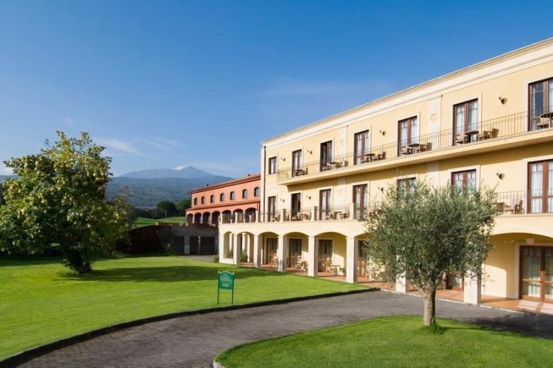 Il Picciolo Etna Golf Resort Spa Hotel