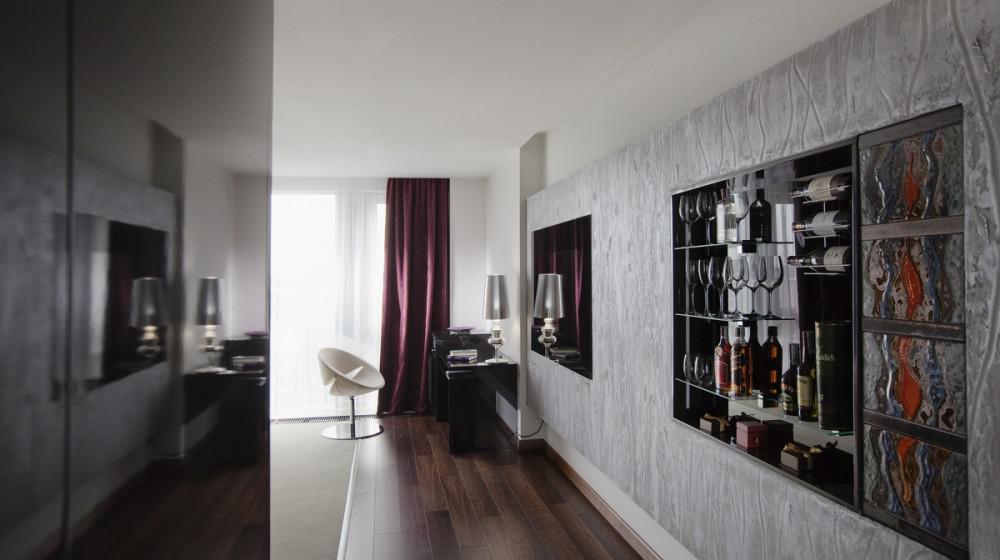 11 Mirrors Design Hotel
