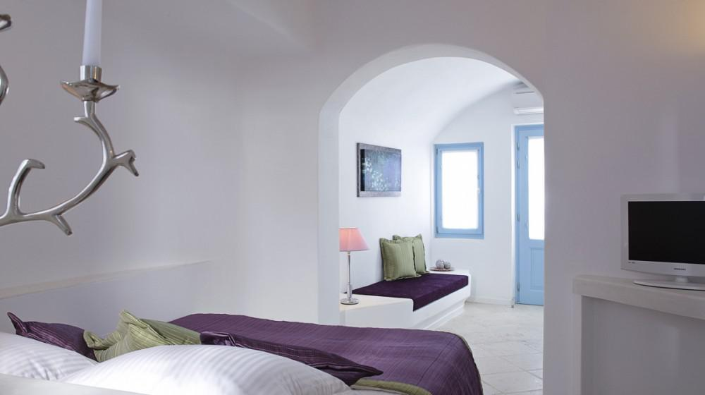 above blue suites santorin iles cyclades. Black Bedroom Furniture Sets. Home Design Ideas