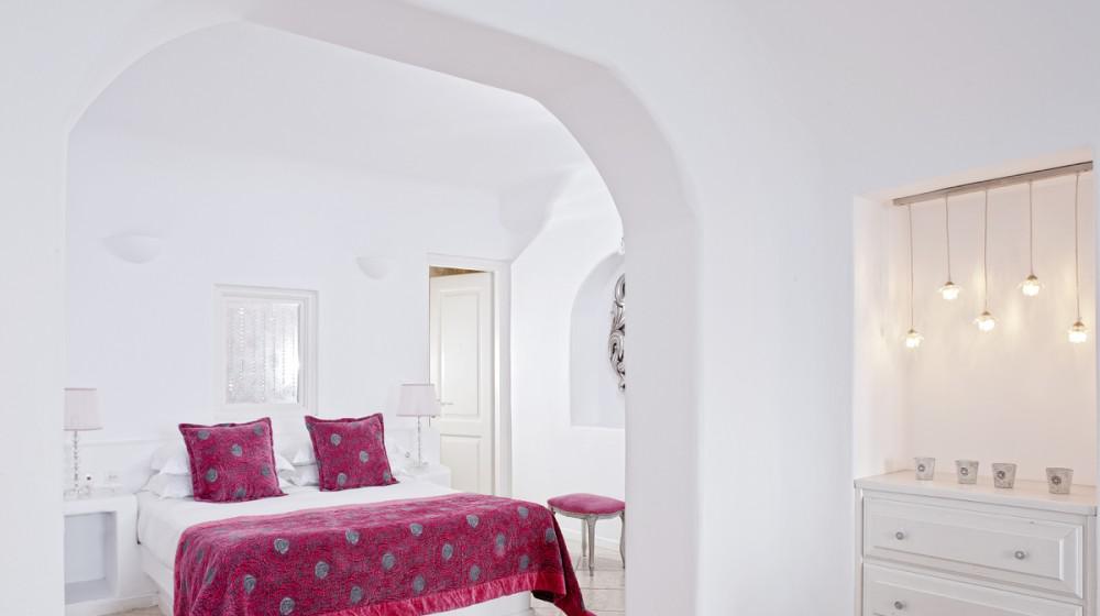 above blue suites santorin iles cyclades. Black Bedroom Furniture Sets. Home Design Ideas