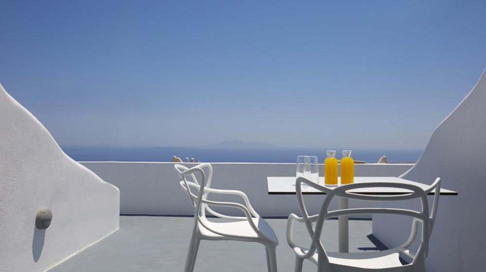 Adore Santorini