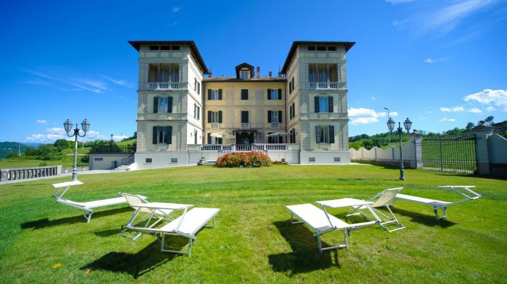 Albergo villa la bollina a serravalle scrivia piemonte for Serravalle italy