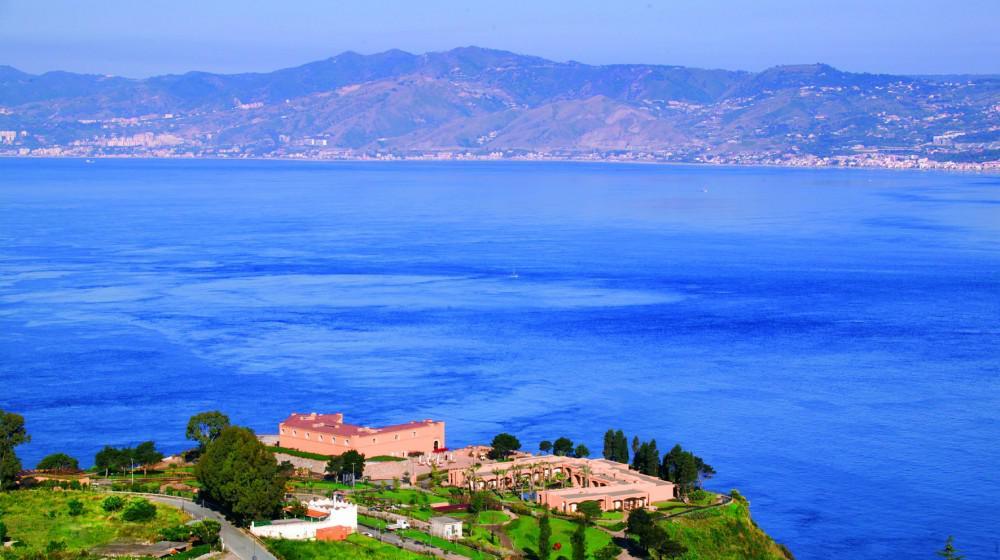 Altafiumara resort spa villa san giovanni calabre for Amaretti arredamenti villa san giovanni