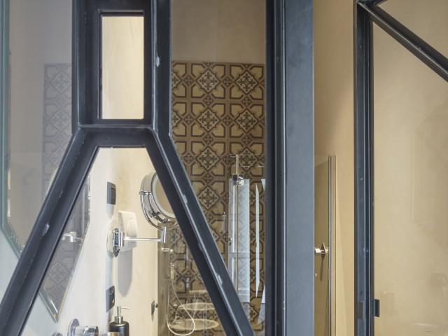 Uzeta - Junior Suite Art camera con balcone - vista città