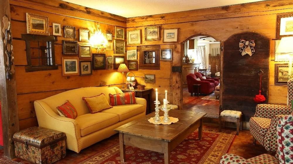 Auberge de la maison courmayeur vall e d 39 aoste for Auberge la maison deschambault