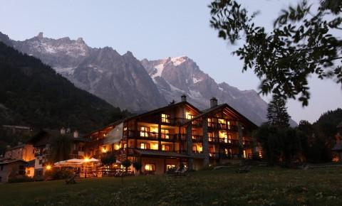 Luxury hotels in courmayeur charming hotels and spa for Auberge la maison courmayeur