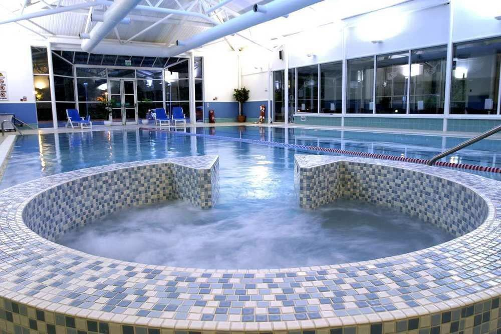 Doubletree by hilton dunblane hydro hotel in dunblane perthshire angus and dundee and the for Hotels with swimming pools in scotland