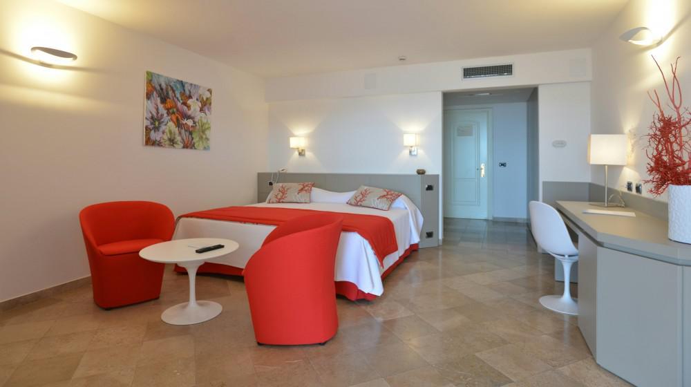 El Faro Hotel