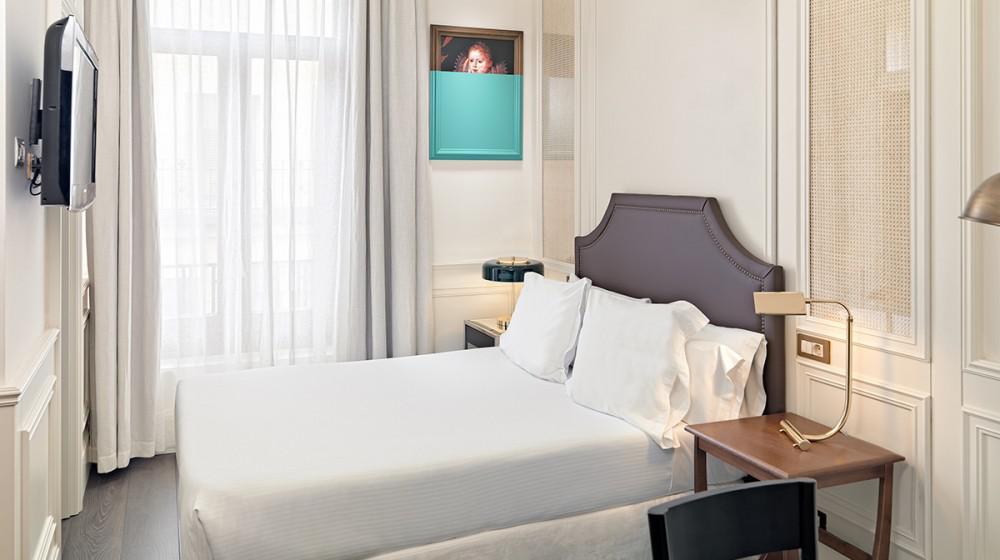 Boutique hotel h10 villa de la reina madrid madrid - Villa de la reina madrid ...