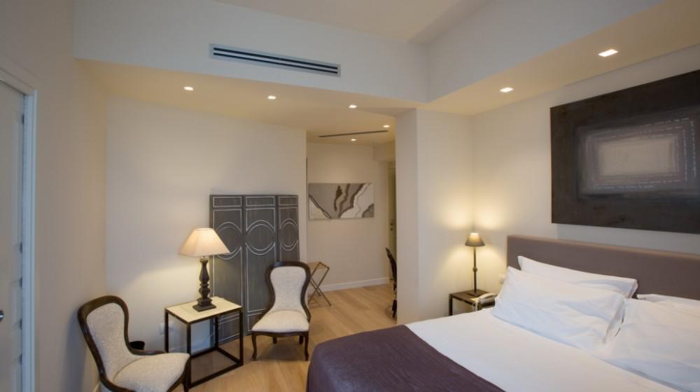 Hotel 900