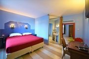 Charming Room Gwith terrace