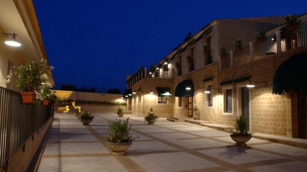Hotel il podere a siracusa sicilia for Hotel resort siracusa