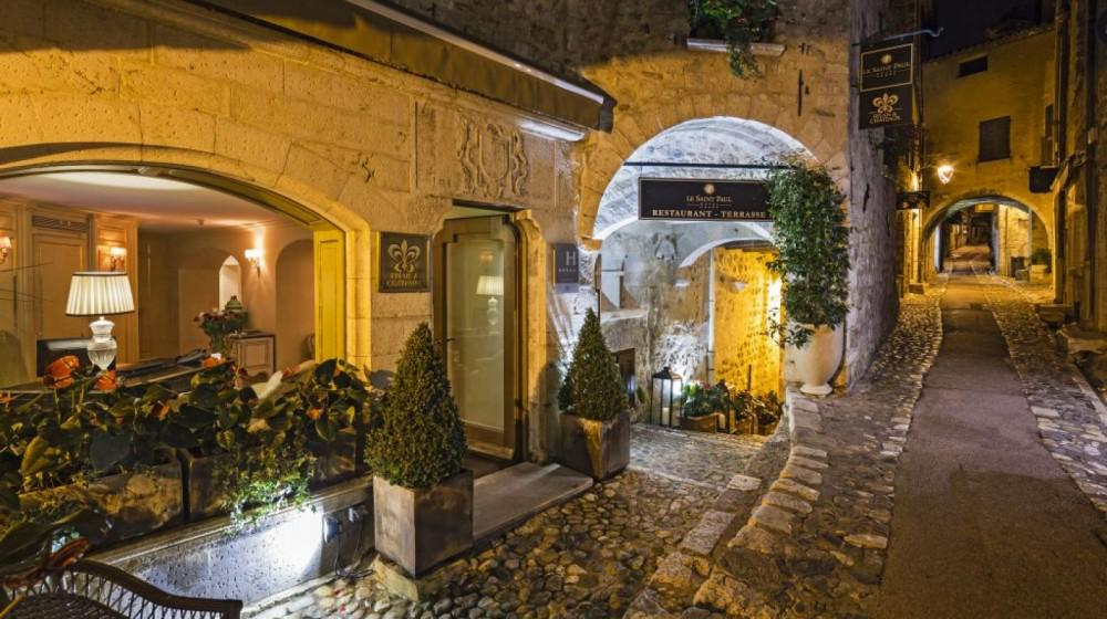 Hotel le saint paul in saint paul provence - Le comptoir des arts saint paul trois chateaux ...