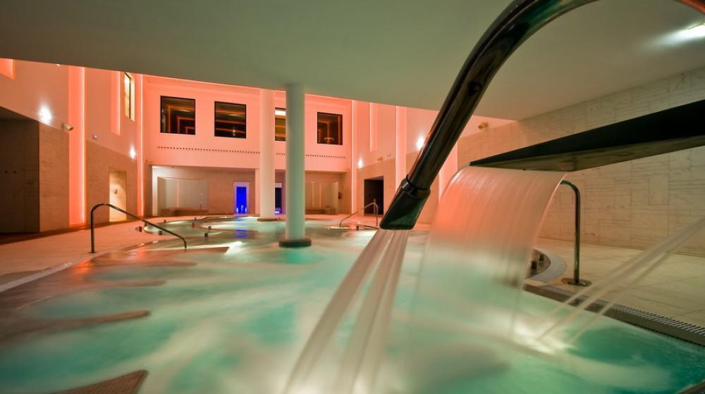 Hotel spa zen balagares in overo asturias for Pool zen spa