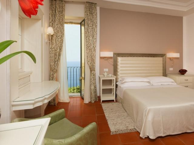 Double room sea side with balcony
