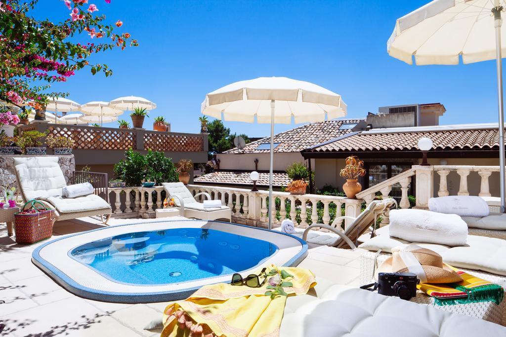 Hotel villa taormina a taormina sicilia for Hotel villa taormina