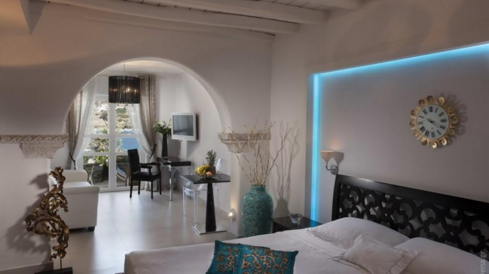 Kivotos Luxury Boutique Hotel