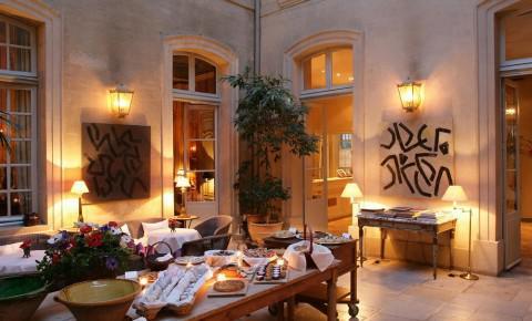 Hotel di lusso a avignone alberghi di charme e spa for Palazzo in stile messicano
