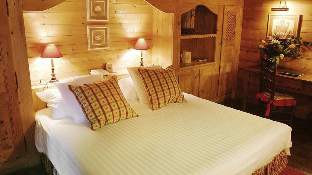 les fermes de marie a meg ve rh ne alpes. Black Bedroom Furniture Sets. Home Design Ideas