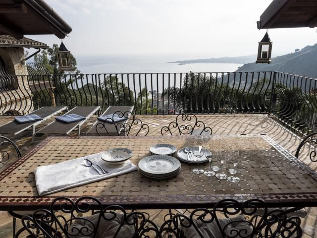 Two-Bedroom Apartment Eolie TOP with terrace, Etna and Sea view