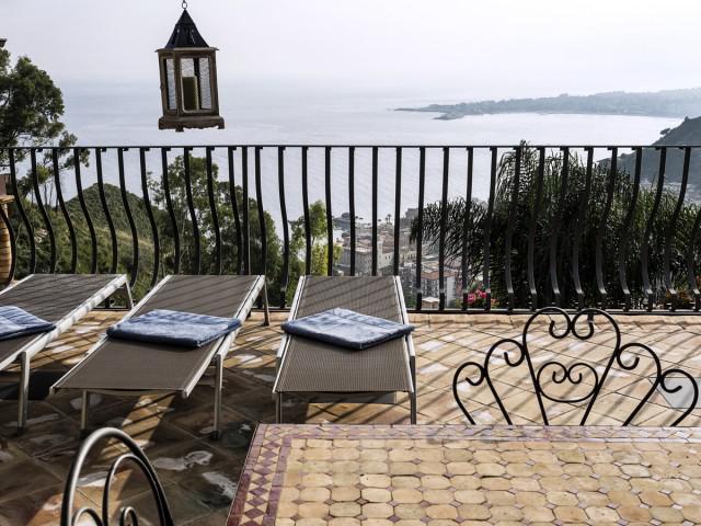 Apartamento de 2 dormitorios Eolie TOP con terraza, vista al mar y Etna