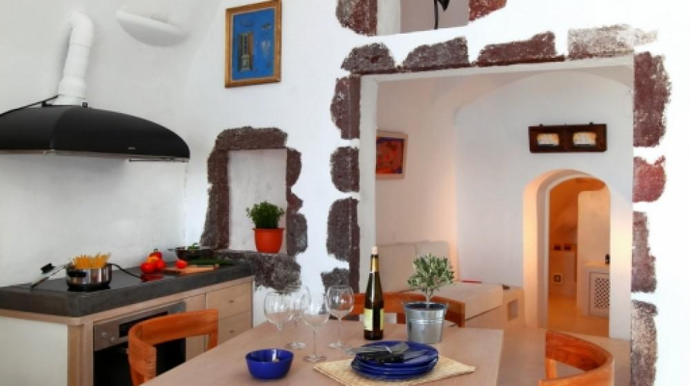 Menia's Cave House