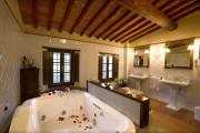 Monsignore Suite with Jacuzzi