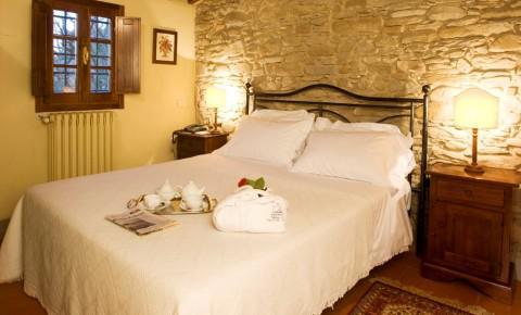 monsignor della casa country resort a mugello, toscana - Soggiorno Cucina Con Camino 2