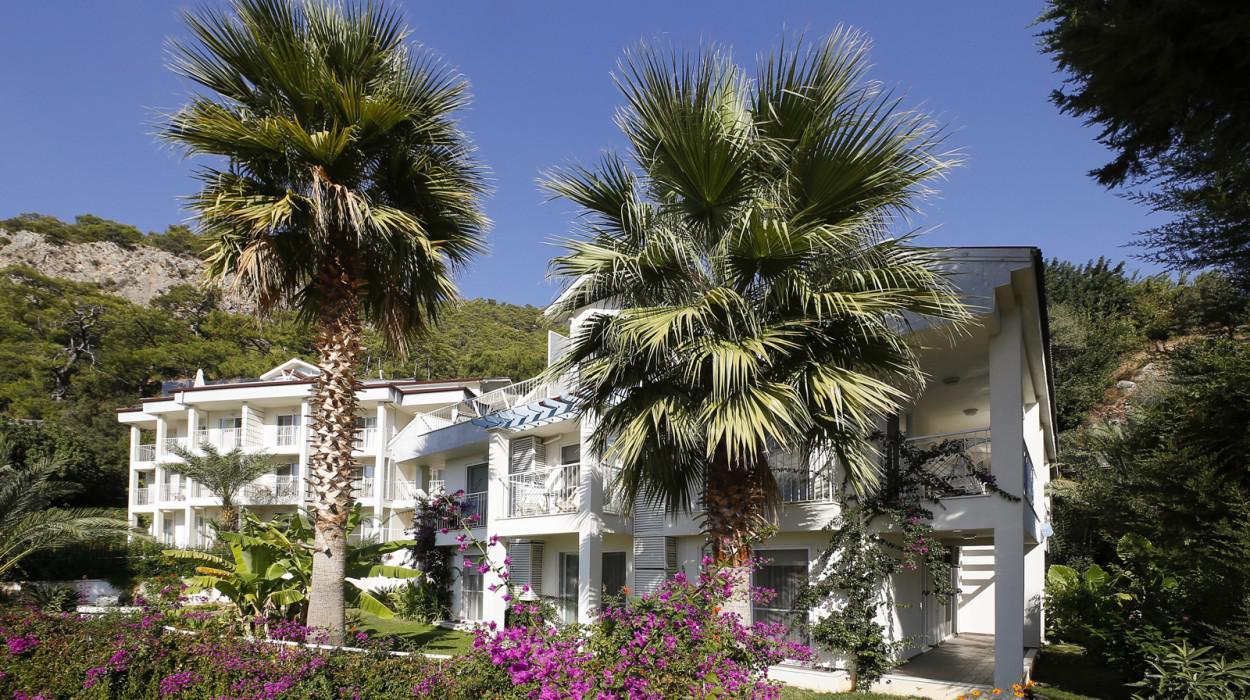 Morina Deluxe Hotel