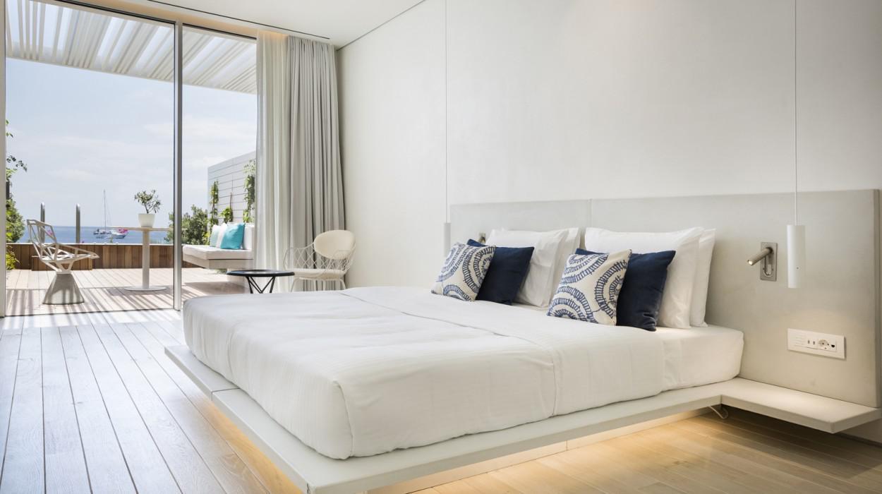 Mykonos Dove Beachfront Hotel