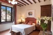 Superior room with Alhambra view