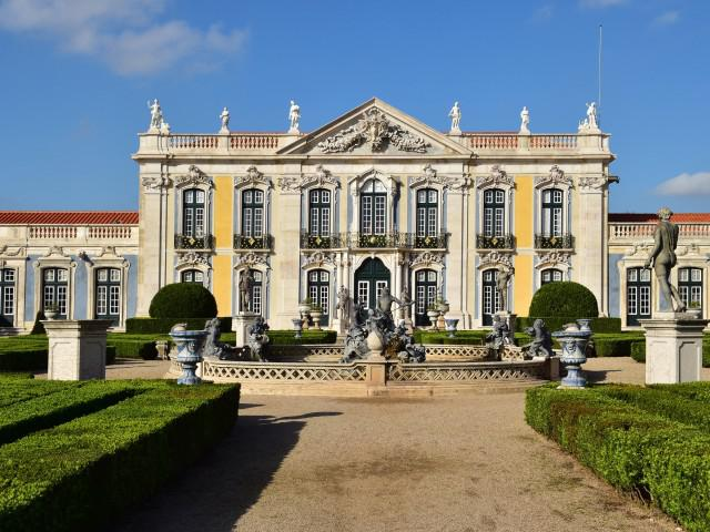 Luxury hotels in lisbon tagus valley charming hotels for Luxury hotels lisbon