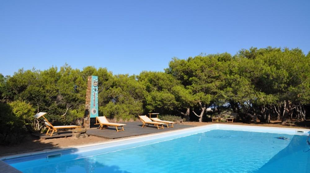 Buy a villa in Pantelleria with pool