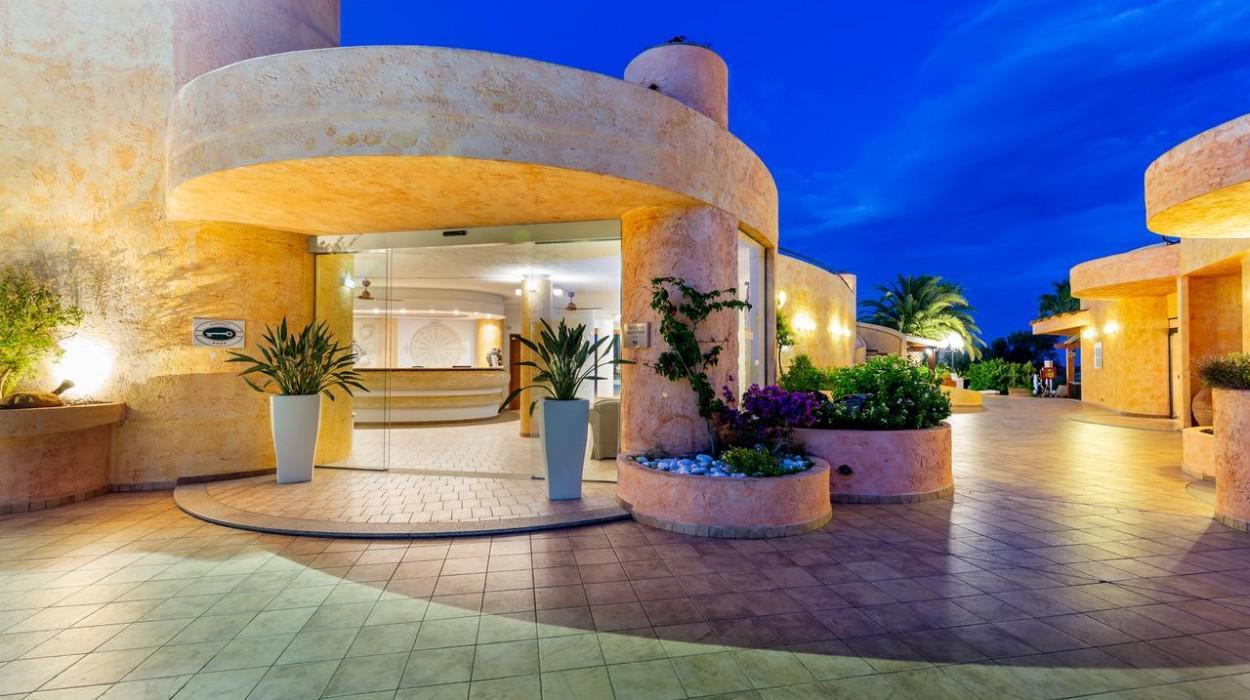Sant' Elmo Beach Hotel