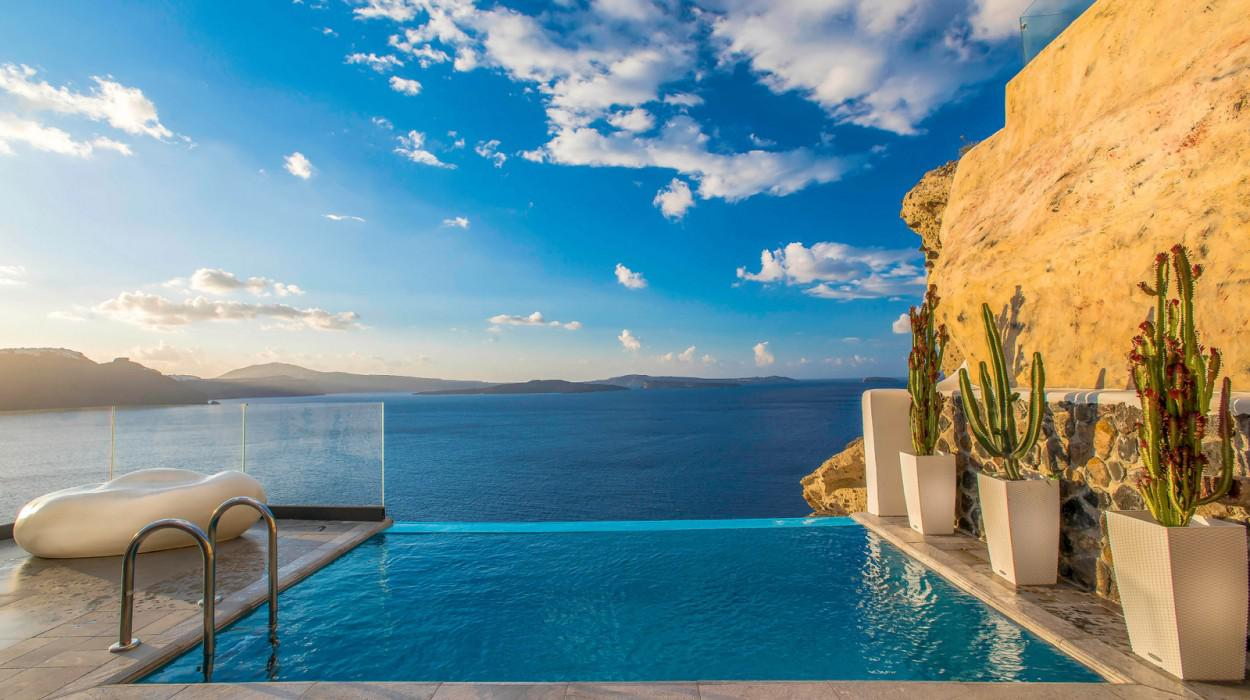 Santorini Secret Suites & Spa