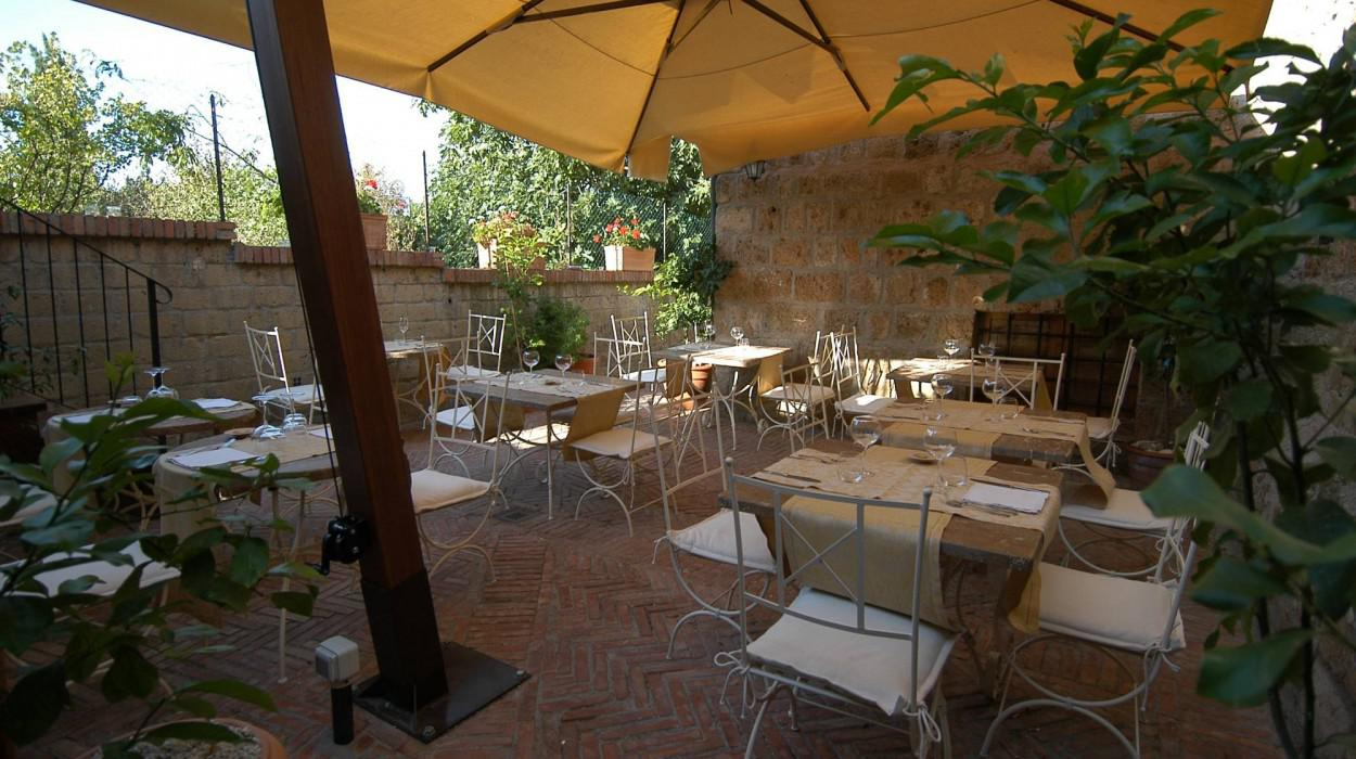 Sovana Hotel & Resort