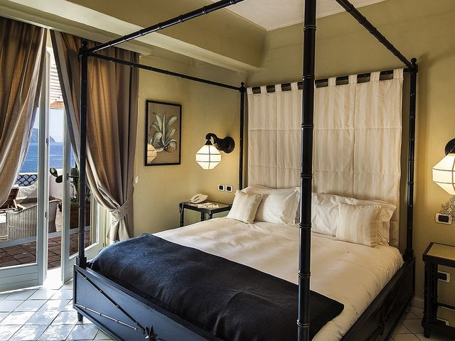 Deluxe room with terrace sea view