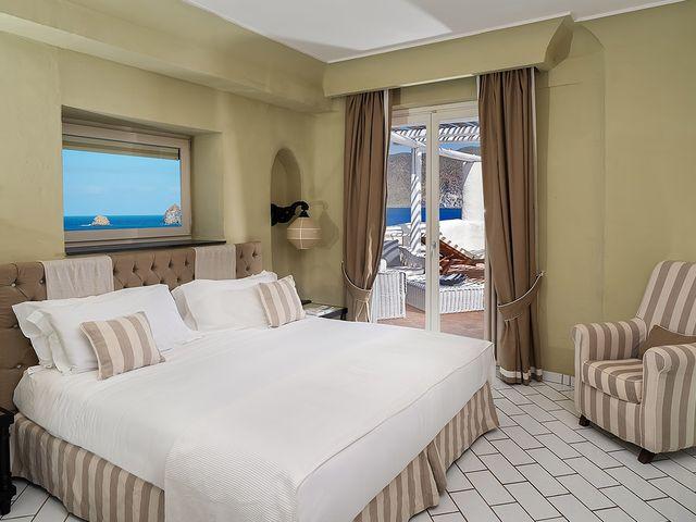 Zimmer Deluxe Meerblick terrasse