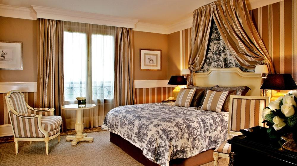 tiara ch 226 teau hotel mont royal chantilly in la chapelle en serval picardy