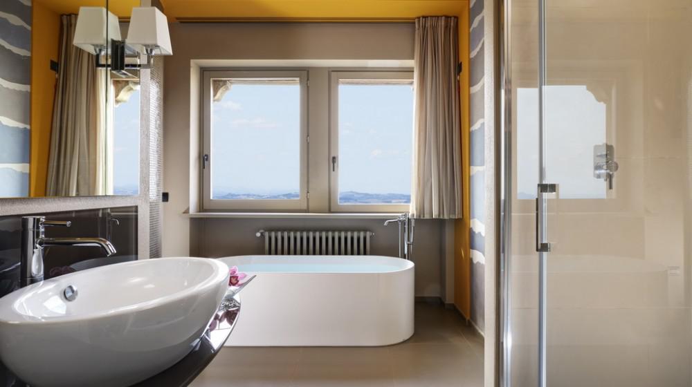 Titano suites hotel a san marino centro san marino citt - Titan bagno san marino ...