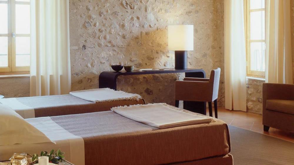 villa arcadio hotel resort in sal lake garda. Black Bedroom Furniture Sets. Home Design Ideas