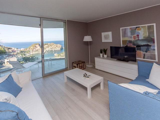 Appartamento in depandance con terrazza vista isola Bella