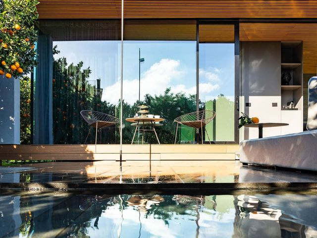 Glass Cube with Sauna and private open heated air tub