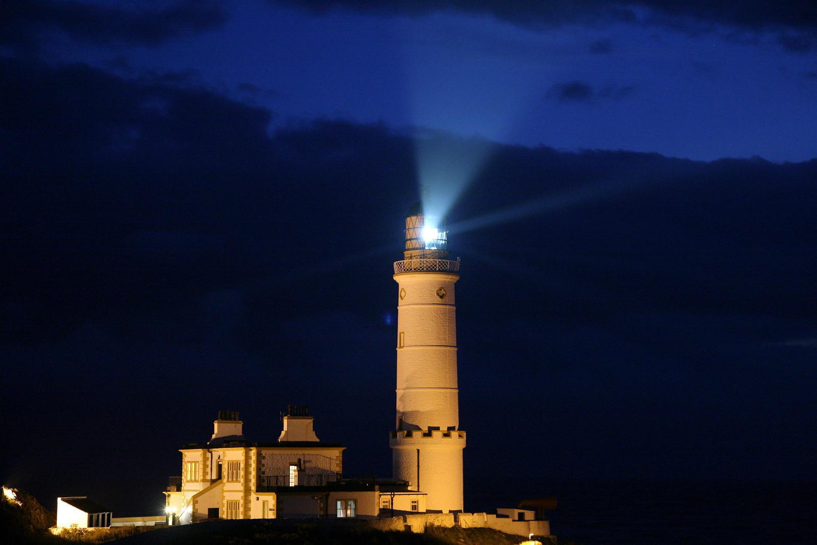 Unique Experiences: Sleep in a Lighthouse