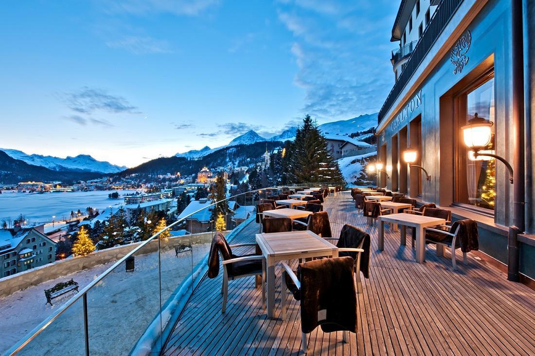 Ski Hotels, Berge und Schnee