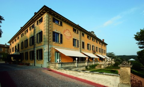 Hotel di lusso a induno olona lago maggiore alberghi for Palazzo in stile messicano